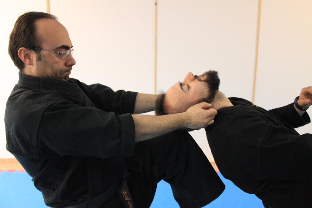 Rotazione e colpo alla testa